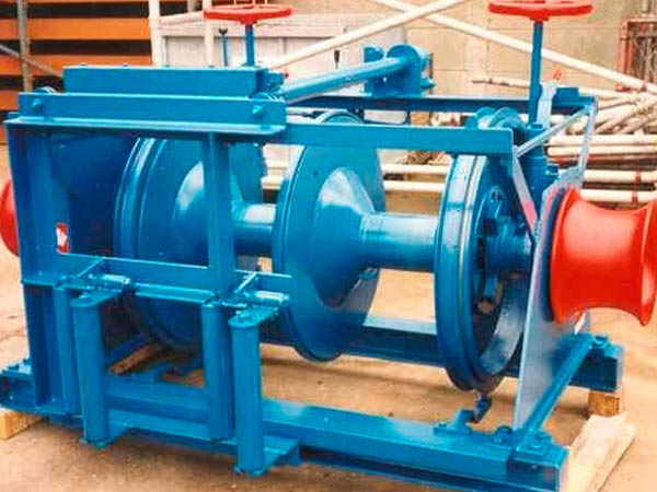 Electric marine winch provided by Sinma
